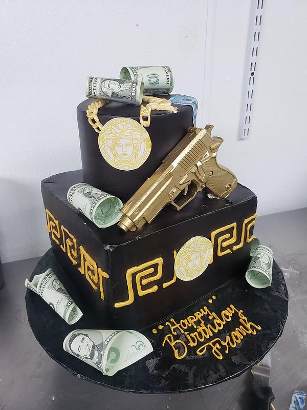 Cake by Pasteleria La Roca