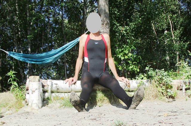 Swim in pantyhose and swimsuit 2