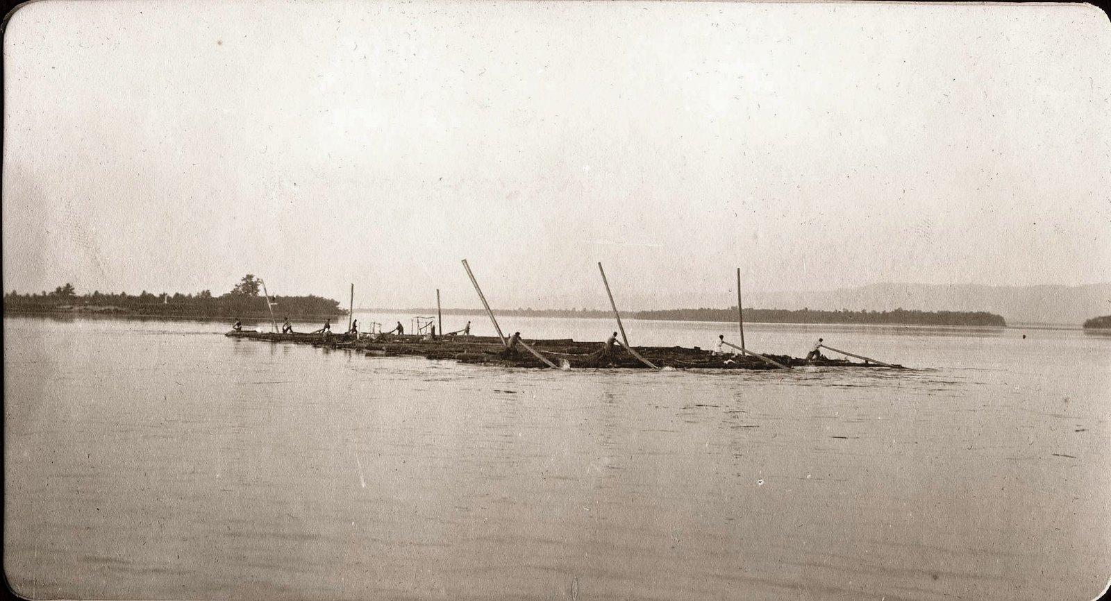 Сплав плотов по реке Зее