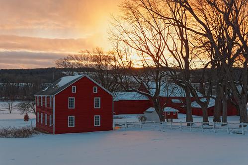 sunset dramatic dramaticsky farm barn redbarn oldbarn snow winter color red rustic peaceful outdoor glenville schenectadycounty capitaldistrict newyork agriculture pentax pentaxart kmount k70 hdpentaxda1685mmlens