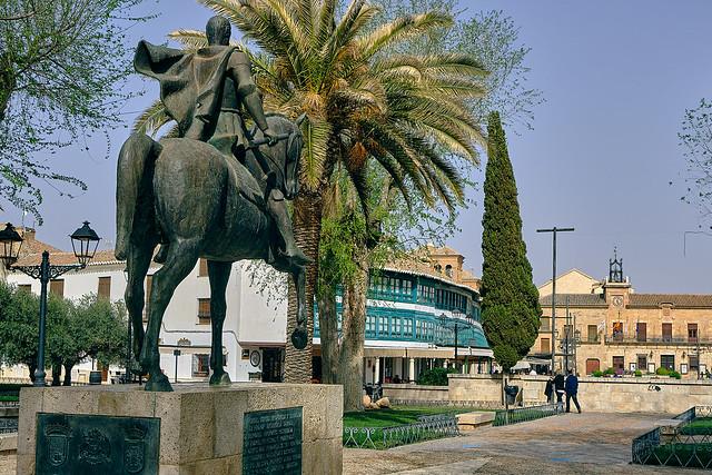 Diego de Almagro vigilando la plaza.