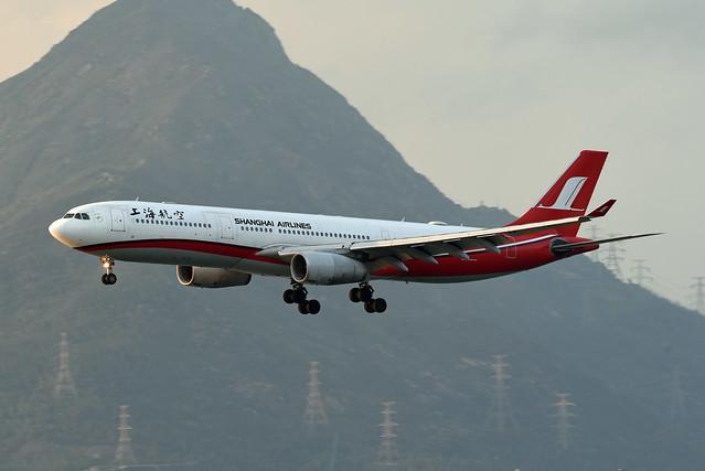 Shanghai Airlines Airbus A330-343X B-6097