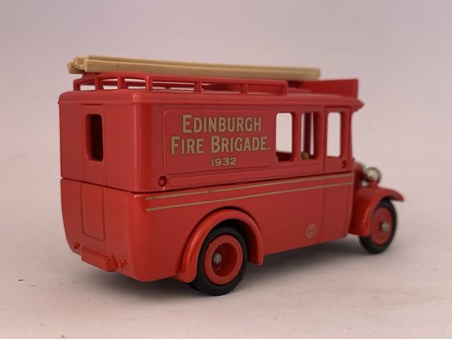 Lledo - Days Gone - Number 3500 - 1932 Dennis Limousine Fire Appliance- Edinburgh Fire Brigade - Miniature Diecast Metal Scale Model Emergency Services Vehicle
