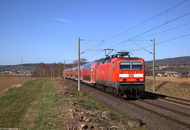 143 637 mit der RB22 (RB15273) von Limburg(Lahn) nach Frankfurt(Main) bei Bad Camberg.