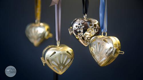 Petits Cœurs en laiton parfumés or et chrome