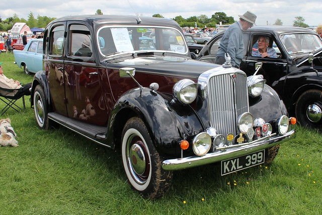 247 Rover 75 (P3) Sports Saloon (1949) KXL 399