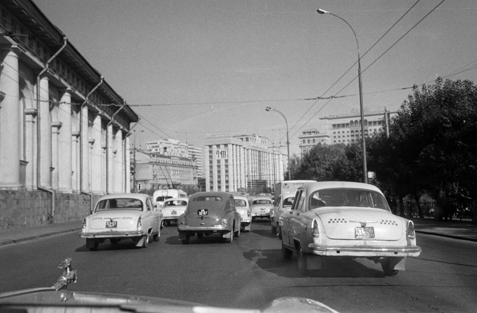 12. Площадь 50-летия Октября