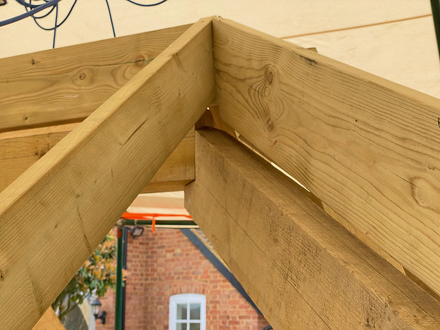 Top ridge to hip rafter joint - 2