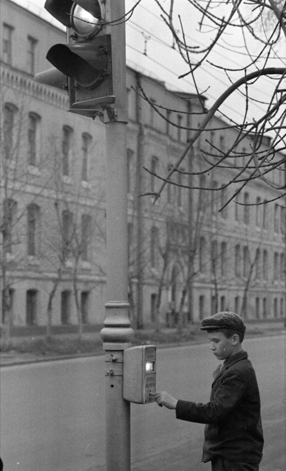 03. Подольское шоссе рядом с площадью Серпуховской заставы