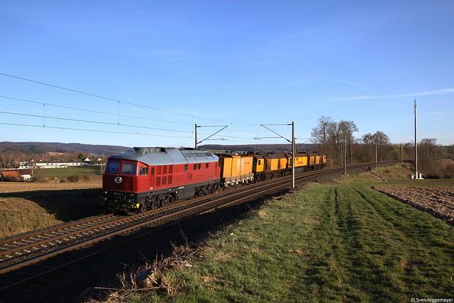 233 217-9 mit Schleifzug in Bad Camberg.
