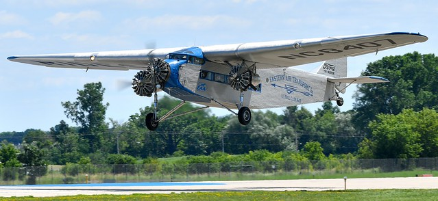 Ford 4-AT-E Trimotor NC8407 N8407