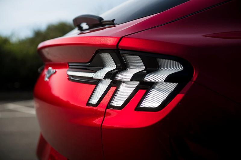 Mustang-Mach-E_27