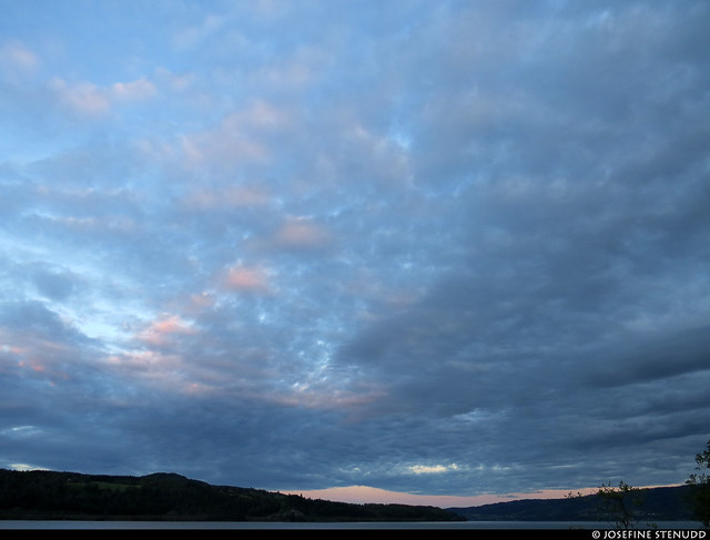 20190705_5 Pale evening clouds over Lillehammer, Norway