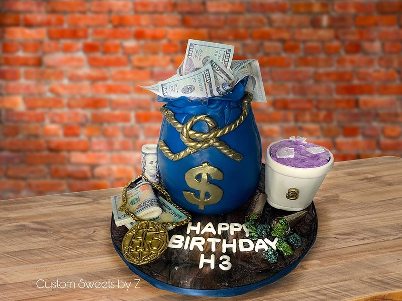 Money Bag Cake from Custom Sweets by Z
