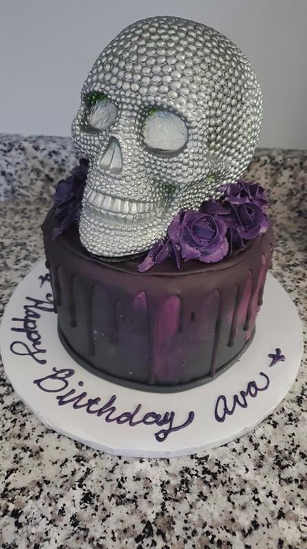 Cake by Robin's Little Cakery