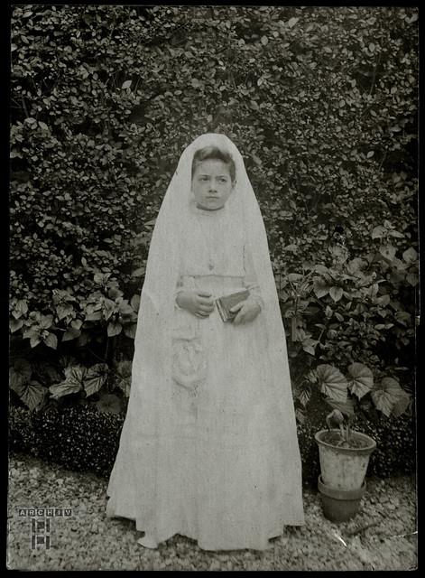 ArchivTappen23AAl2h287 Kommunionkrind, Mädchen, Frankreich, 1920-1930er