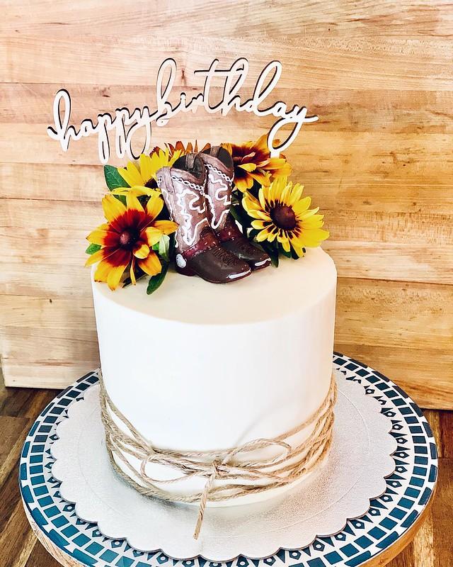 Cake by Jen Cakes