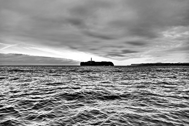 Retrato de la isla de Mouro al carboncillo