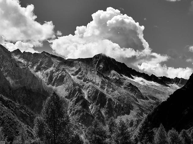 Adamello dalla valle di Canè
