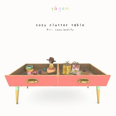 Cozy clutter table