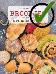 .Levine van Doorne - Broodjes uit eigen oven, zoet en hartig  ✓