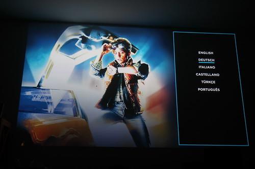 """Startbildschirm der Blu-Ray mit dem 80er-Jahre Film """"Zurück in die Zukunft"""""""