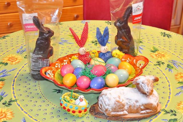 April 2021 ... Osterfrühstück mit Lämmchen aus Rührteig ... Brigitte Stolle