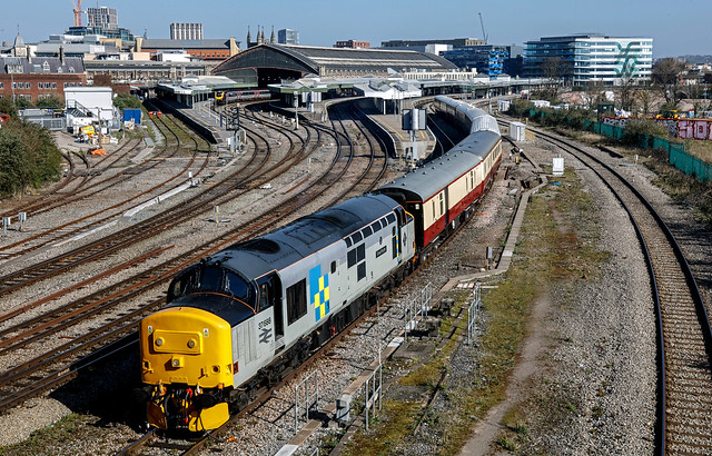 37688 1Z32 Bristol East Depot to Penzance