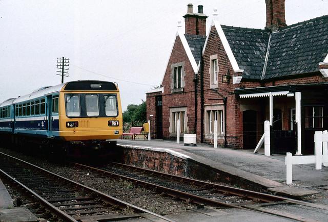 Class 142 077 at Goxhill 28.09.1991