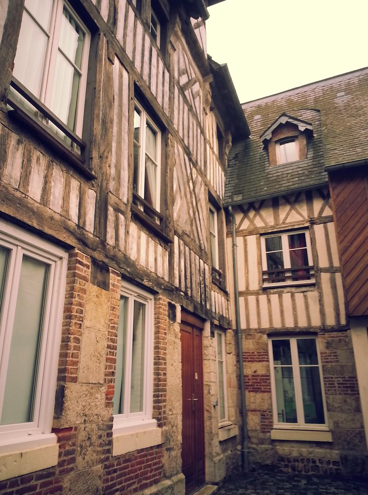12-16-15 (Caudebec-en-Caux) Old buildings.