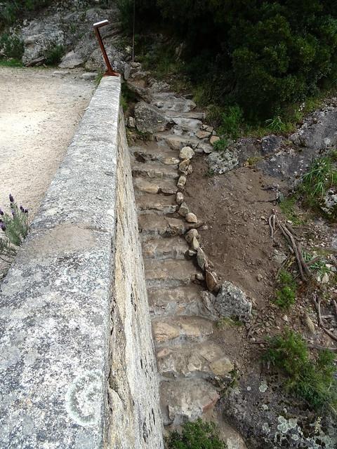 Les marches au pont de Marionu après l'achèvement des travaux