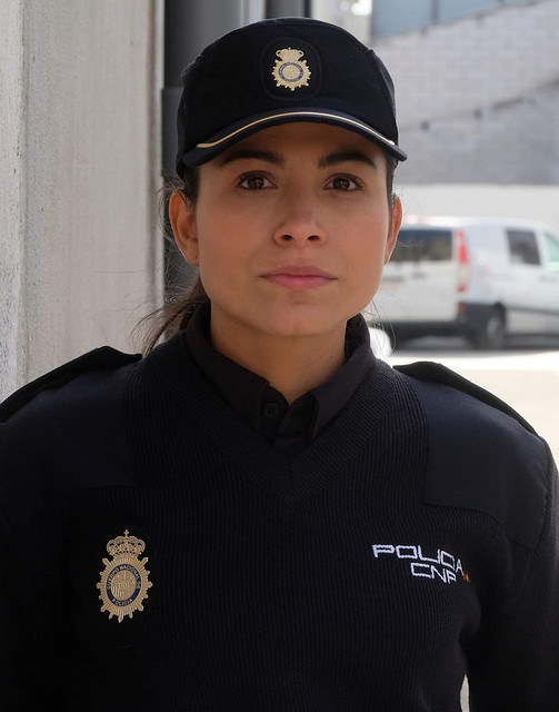 Silvia - Fotógrafo  Pipo Fernández - Maquillaje y Peluquería Equipo de estilismo Servir y proteger