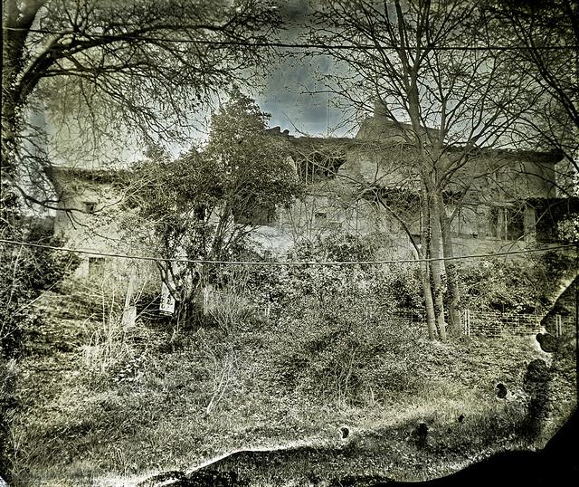 S'esfondra el castell de Santiga / Crumbling Santiga castle