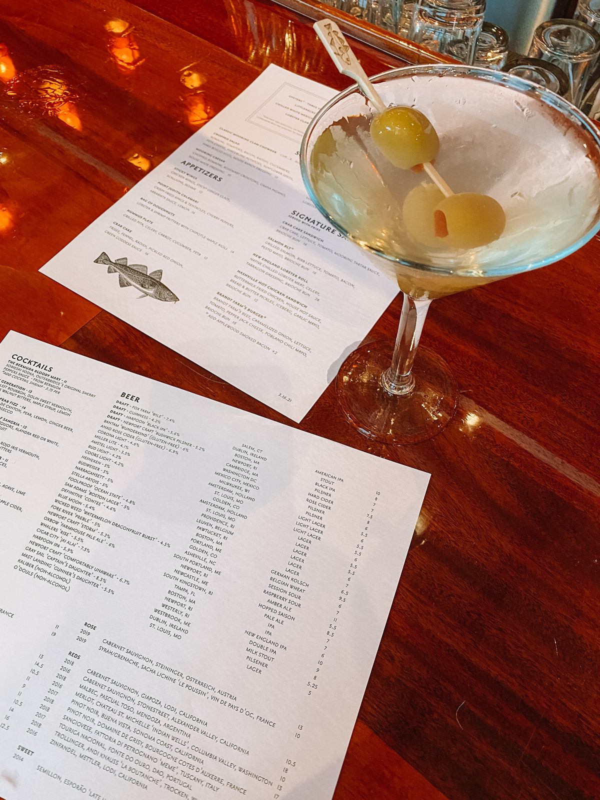 The Mooring Dirty Martinis | Where to Eat in Newport | 48 Hours in Newport Itinerary | A First Timer's Guide to 2 Days in Newport Rhode Island | What to do in Newport | Newport Travel Guide | Best Things to do in Newport | Best Places to Visit in Newport