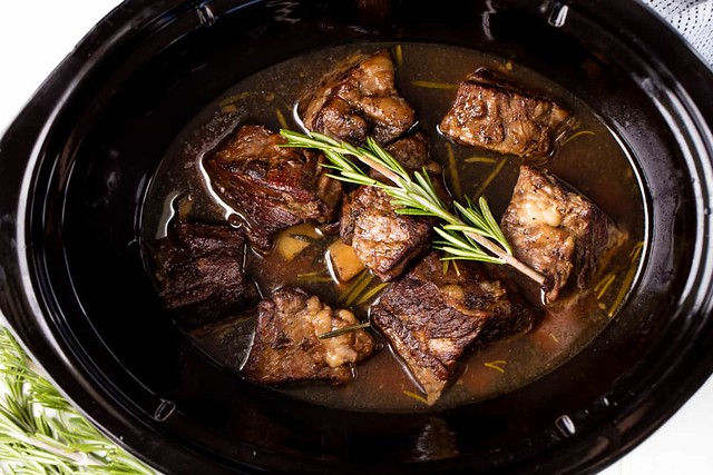 Slow-Cooker-Short-Ribs-1