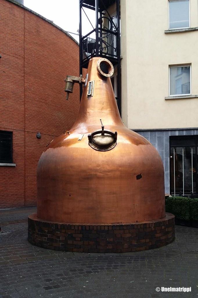 Old Jameson Distilleryn etupiha