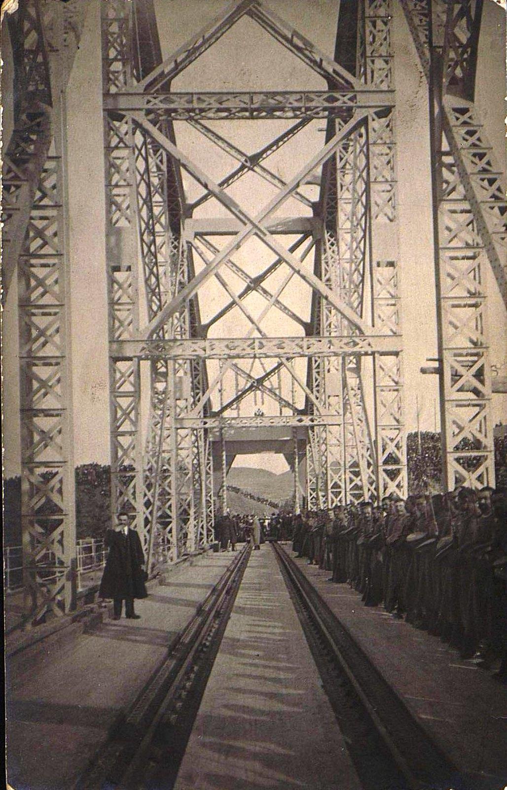 02. 1916. Открытие железнодорожного моста через реку Амур.Октябрь