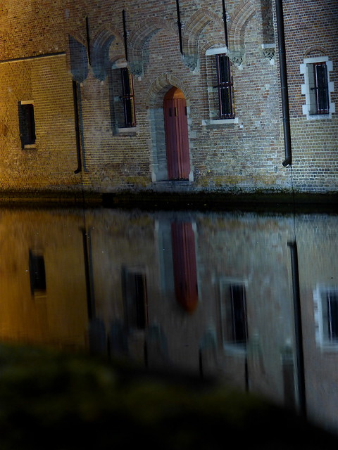Bruges, mystery reflects