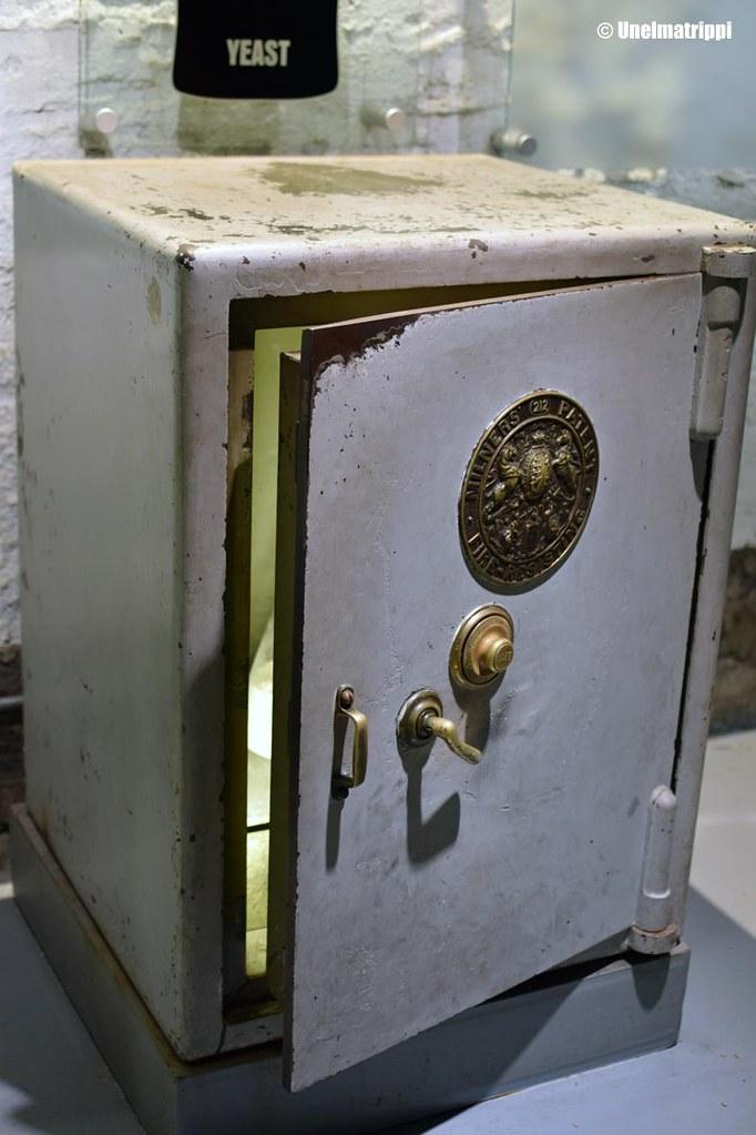 Kassakaappi Guinness Storehousen näyttelyssä