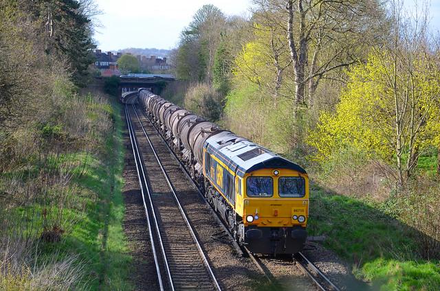 66715 passing Beckenham Place Pk working 6B57 Wembley - Dollands Moor