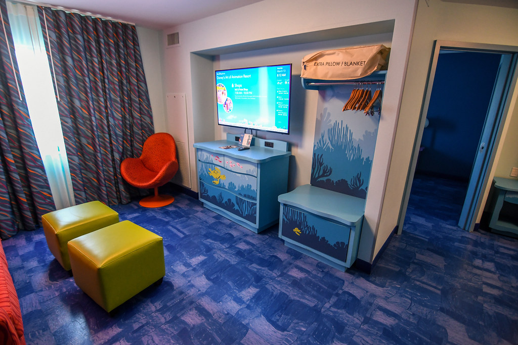 Art of Animation Family Suite TV