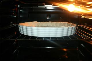 19 - Pre bake dough in oven / Teig im Ofen vorbacken
