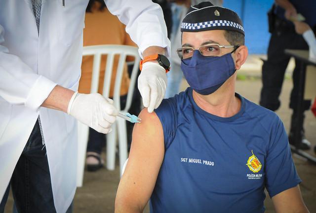 Vacinação de profissionais da segurança pública do DF. 05.04.2021.