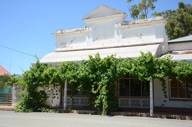 DSC_2393 former bank, 7 Bowman Street, Redhill, South Australia