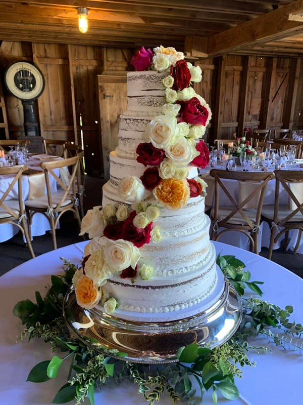 Cake by Gwen's Cake Decorating & Etc.