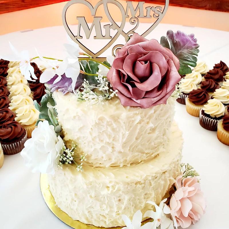 Cake by Dantimo's Desserts