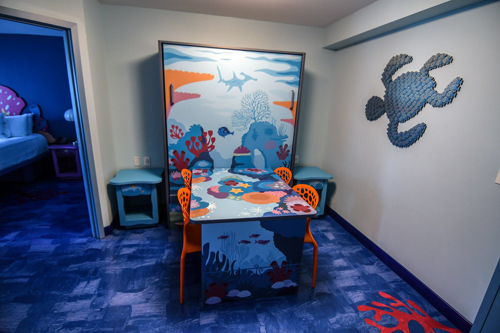 Art of Animation Family Suite murphy bed