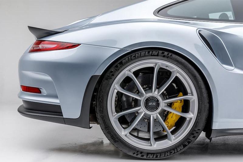 Porsche-911-GT3-RS (5)