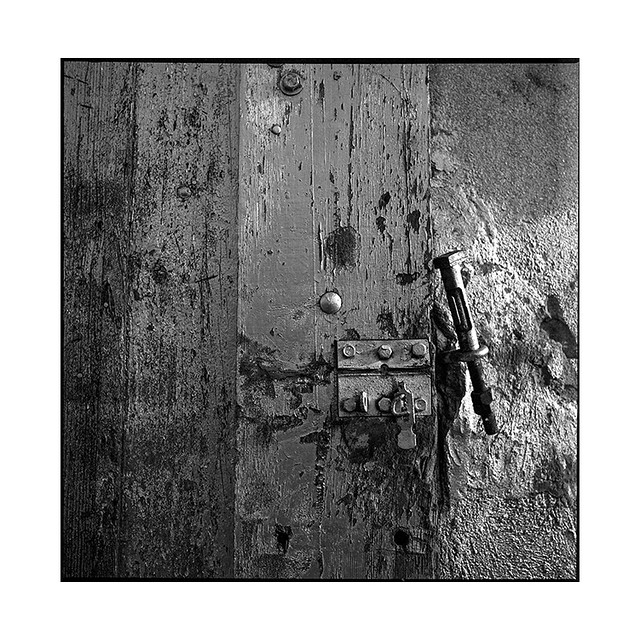 lock • chenove, burgundy • 2020