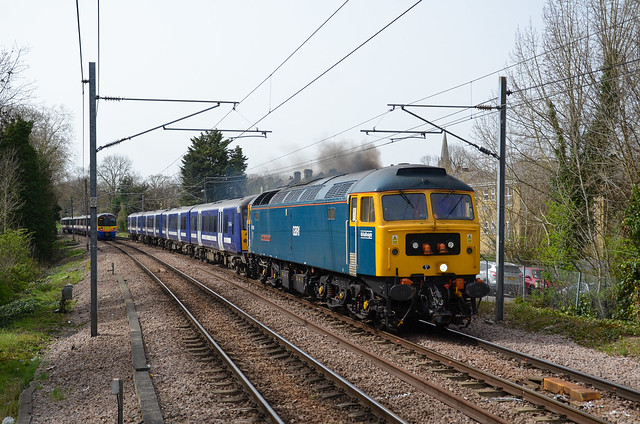 47749 hauls 360102 through Brondesbury as 5Q68 Northampton- Cricklewood just avoiding bowlage